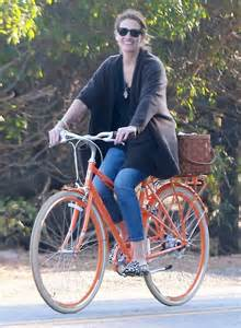 Julia Roberts bicycling