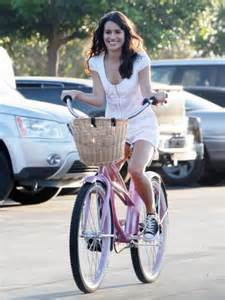 Britney Spears bicycling