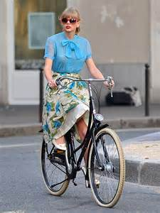 Taylor Swift bicycling