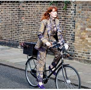 Florence Welch bicycling